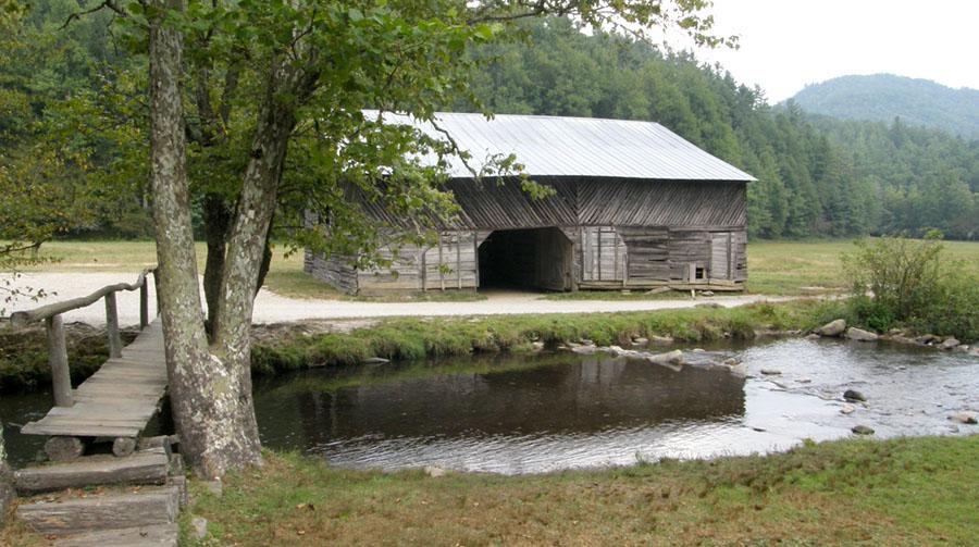 Cataloochee-barn-2