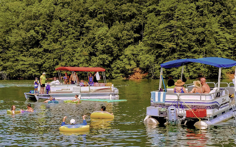 pontoon-boats-fontana-lake